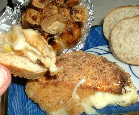 Baked Garlic, Brie, and Bread