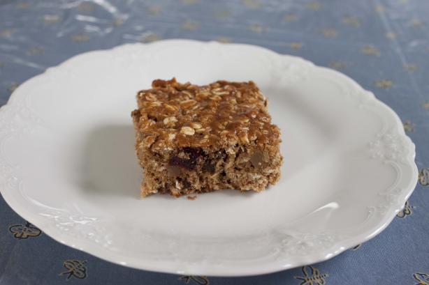 Chewy Fruit and Oatmeal Bars (Breakfast on the Go!)