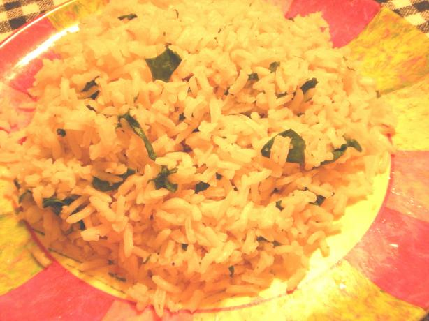 Maria's Garlic Rice With Spinach