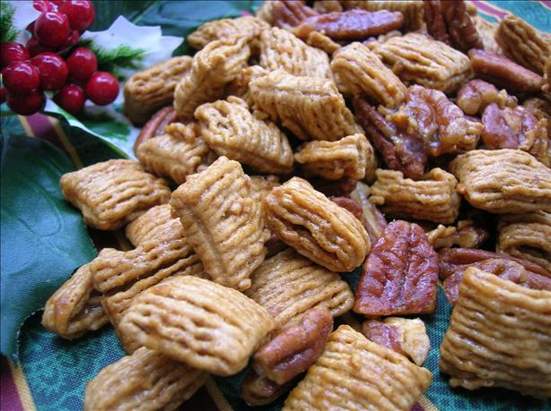 Praline Pecan Crunch Snack Mix