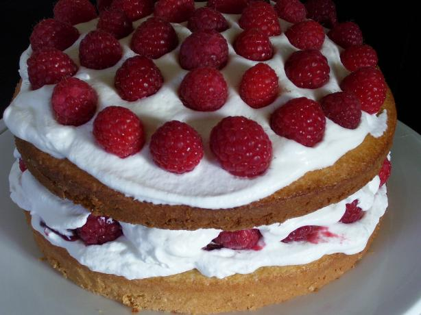 Classic Sponge Cake With Raspberries and Cream Filling