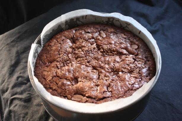 Melt-And-Mix Chocolate Chunk Mud Cake