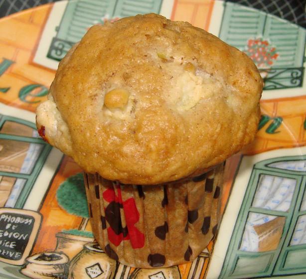 Cinnamon Topped Rhubarb Muffins