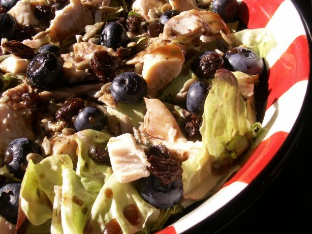 Spinach Salad With Grilled Chicken & Blueberries