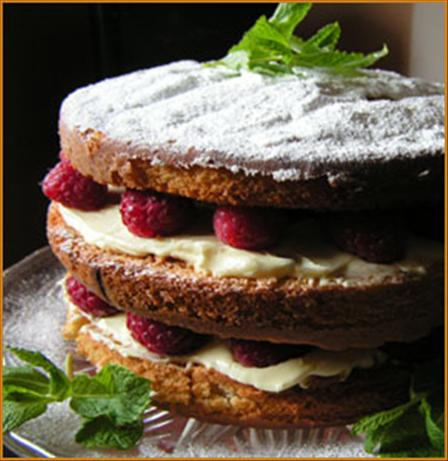 Raspberry and Lemon Layer Cake
