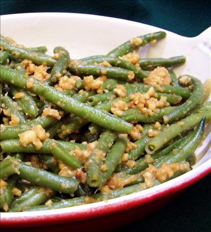 Green Beans With Peanut Ginger Dressing