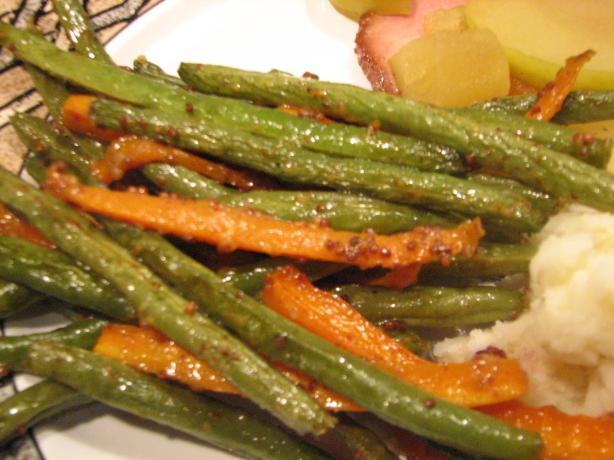 Roasted Maple Mustard Green Beans