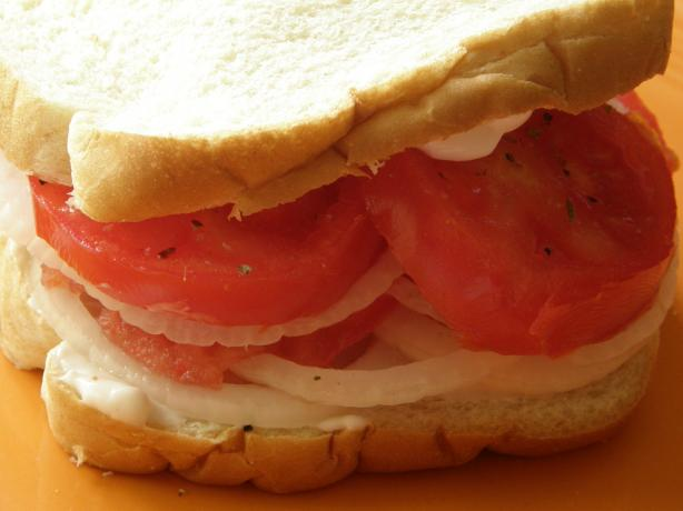 Tomato and Onion Sandwich