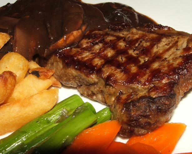 Pepper Steak With Port-Wine Mushroom Sauce