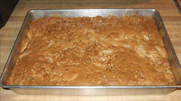 Delicious Apple-Walnut Dessert