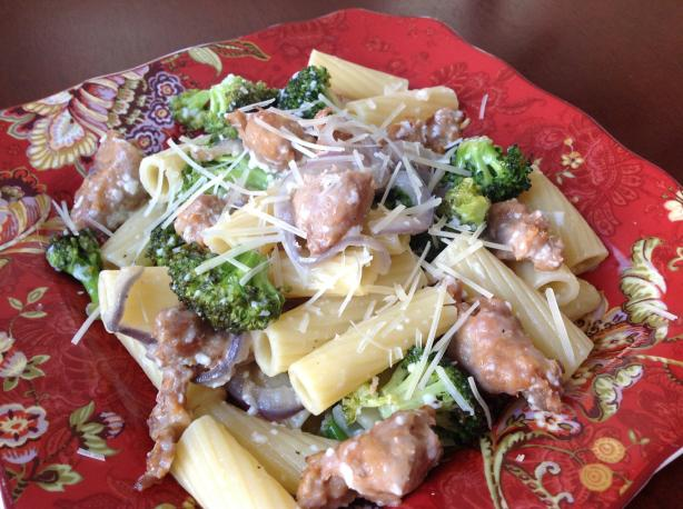 Rigatoni With Roasted Sausage and Broccoli