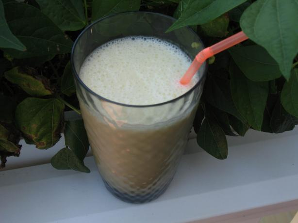 Banana Milk (Raw, Dairy Free)