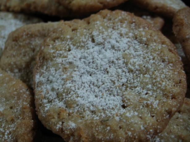 Thin and Crisp Powdered Oatmeal Cookies