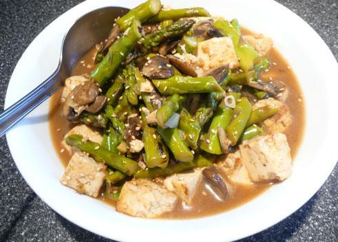 Sesame-Ginger Asparagus and Tofu Stir-Fry
