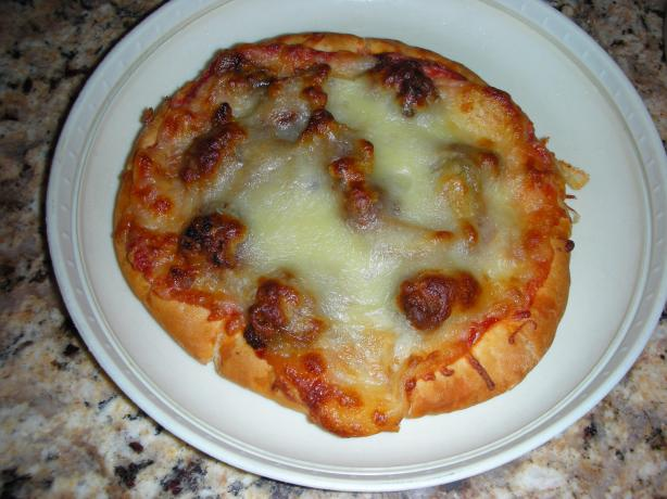 Pita Pizza With Caramelized Onions
