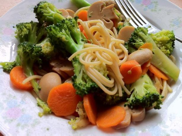 Chinese Noodle & Vegetable Stir Fry (For One)