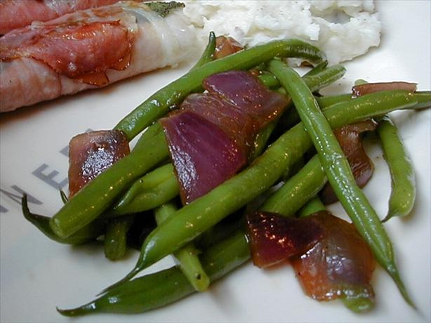 Green Beans With Pan-Roasted Red Onions (Thanksgiving)