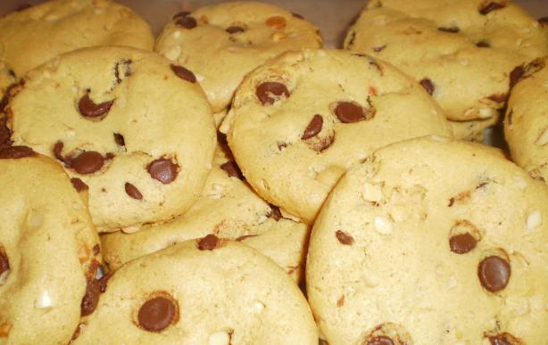 Flourless Peanut-Chocolate Cookies (Martha Stewart)