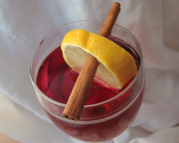 Spiced Cranberry Cocktail Iced Tea