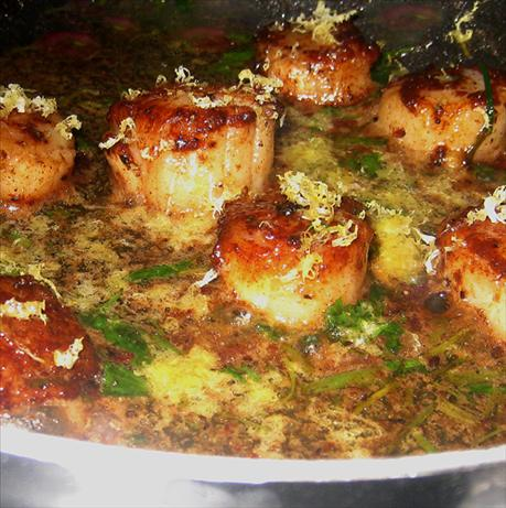 Seared Scallops With Herb Butter Sauce