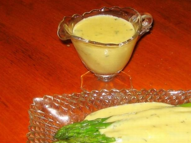 Quick & Delicious Hollandaise Sauce