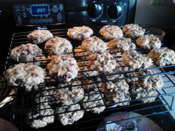 Oatmeal Craisin Chocolate Chip Cookies