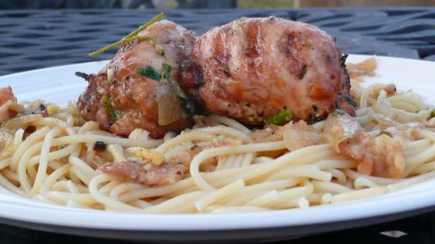 BBQ Chicken Thigh Roll in White Wine Pasta Sauce (Chicken Bragjo