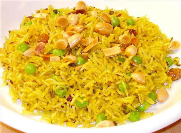 Pilaf With Peas and Raisins