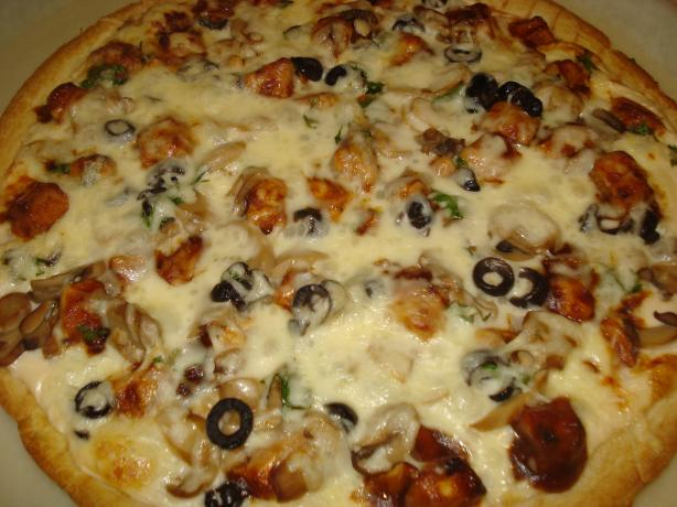 Mika's Barbecue Chicken Alfredo Pizza