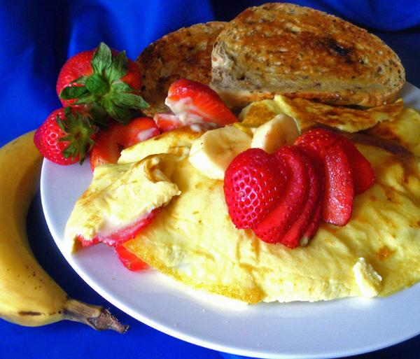 Fresh Strawberry Banana Omelets