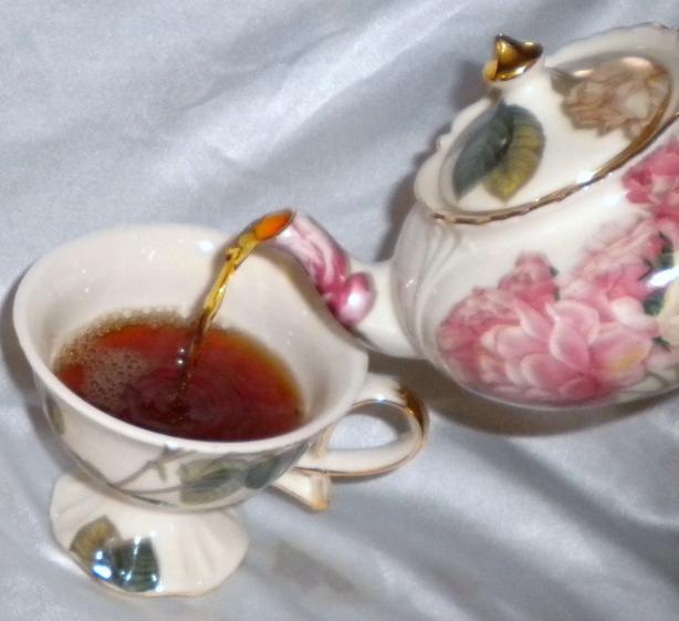 Amaretto Tea