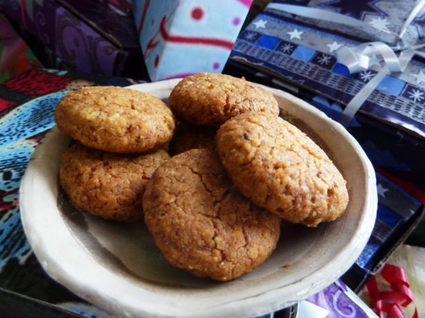 Almond Chickpea Flour Cookies