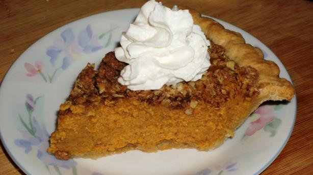 Cinnamon Streusel-Topped Pumpkin Pie