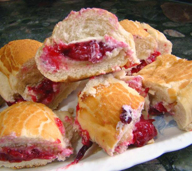 Baked Brie/Cranberry Bun Appetizers