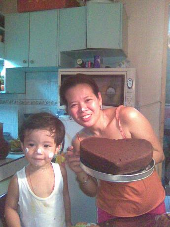 Super Easy Fudgy Mini Chocolate Cakes