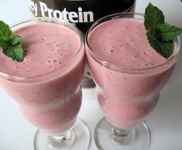 Strawberry Yogurt Milkshake Smoothie