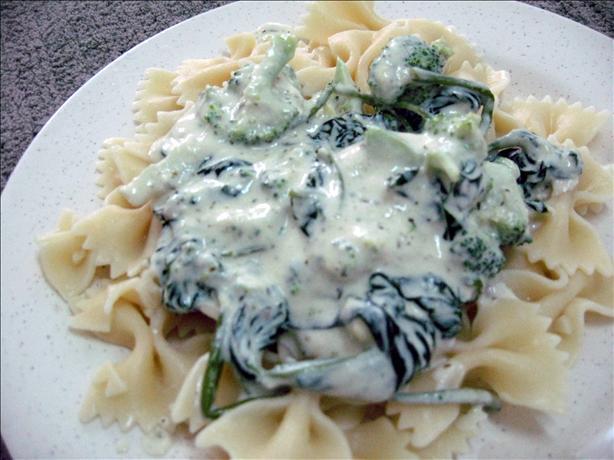 Creamy Vegan Pesto Pasta With Broccoli