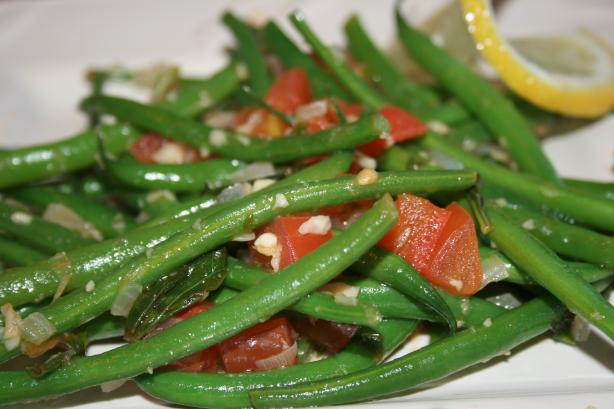 Green Beans Braised With Tomatoes and Basil