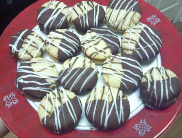 Chocolate Dipped Peanut Butter Sandwich Cookies