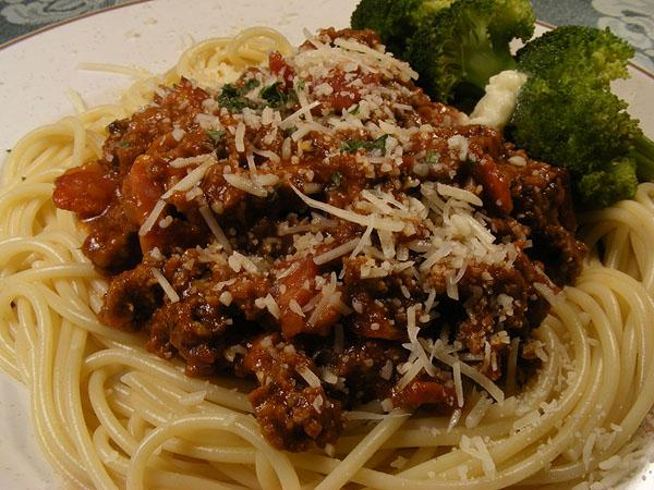 Spaghetti Bolognese (The Easy Way)