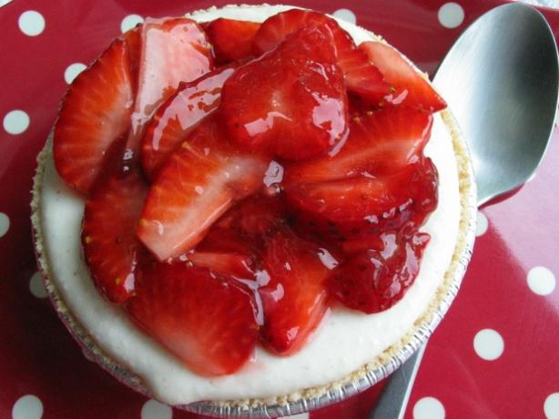 No Bake Strawberry Cheesecake Tarts (Light)