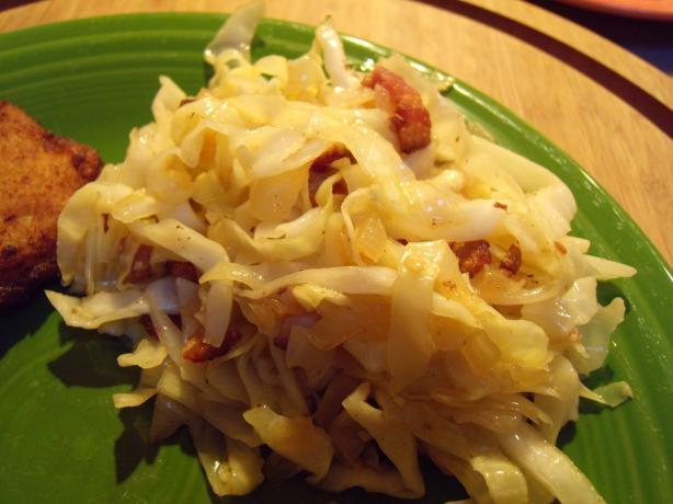 German Warm Cabbage Salad (Krautsalat)