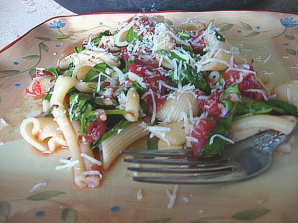 Penne With Tomato, Mozzarella & Arugula Pasta