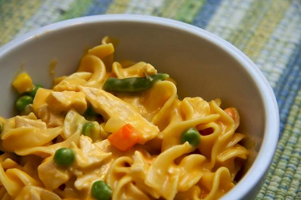 One Pot Cheesy Chicken and Noodles
