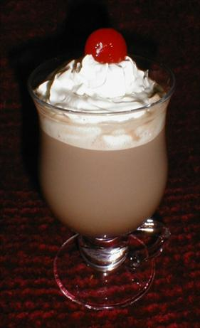 Hot Schnnocolate (Hot Chocolate & Peppermint Schnapps)