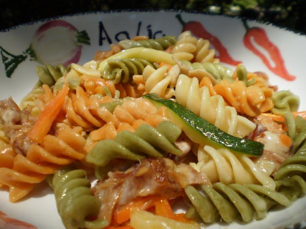 Rotini Pasta With Smoked Ham, Vegetables and 3 Cheeses