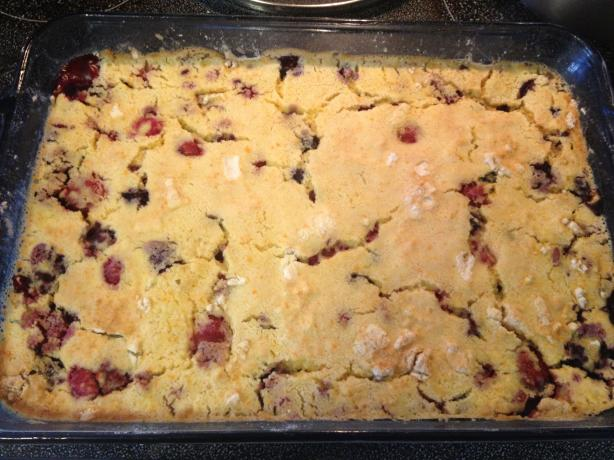 Weight Watchers Dump Berry Cake