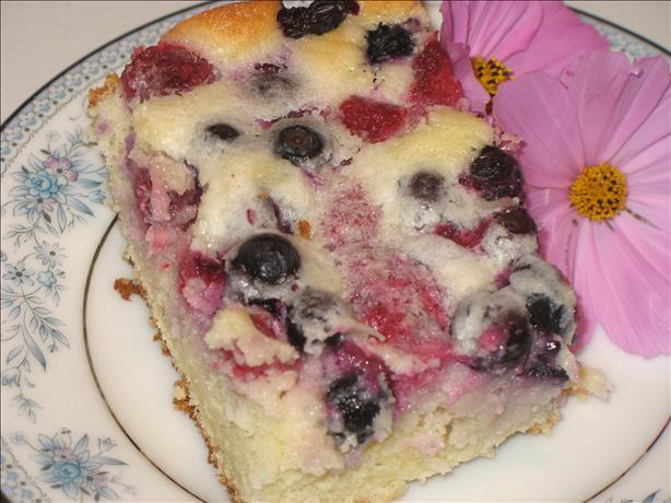 Berry Sour Cream Cake