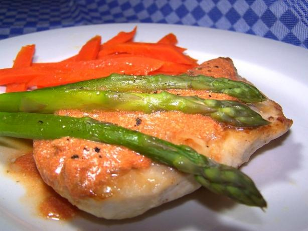 Chicken With Carrots and Asparagus