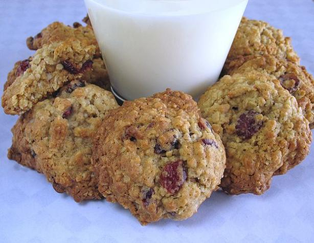 Grape Nuts-Oatmeal Cranberry Cookies